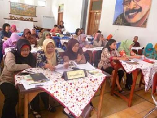 SMPN 2 Batu Tingkatkan Keprofesionalan Lewat Workshop