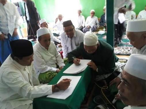 Pasangan Adjib Tanda Tangani Kontrak Politik