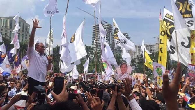 Prabowo Hadiri Deklarasi Edy-Ijek di Medan
