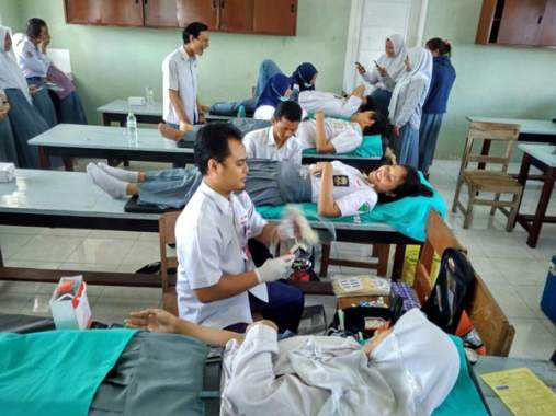 PMI Rutinitas Donor Darah Di SMABOY