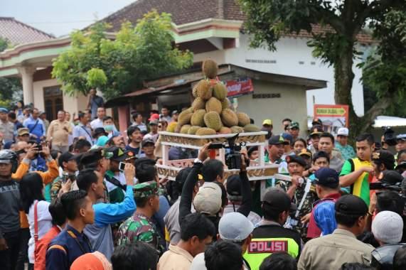 Kenalkan Wisata, Pemkab Kediri Gelar Dahar Durian