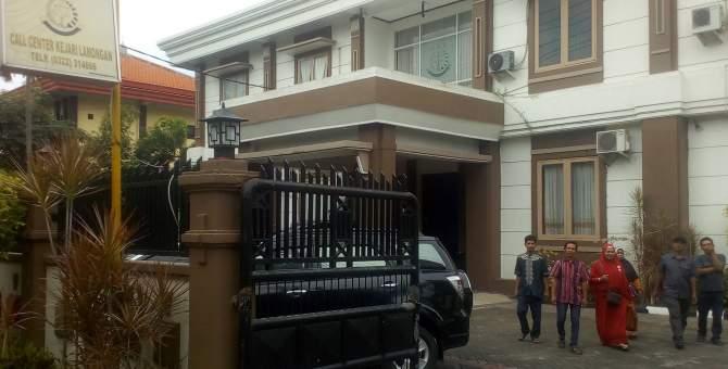 Prona Ditarik 1 juta, Warga Sukolilo Lapor Kejaksaan