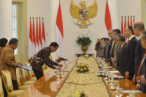 Presiden Jokowi Menerima Kunjungan Kehormatan Delegasi AIIB