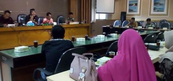 Tertibkan Bayar Pajak, Komisi B Undang Pemilik Rumah Makan