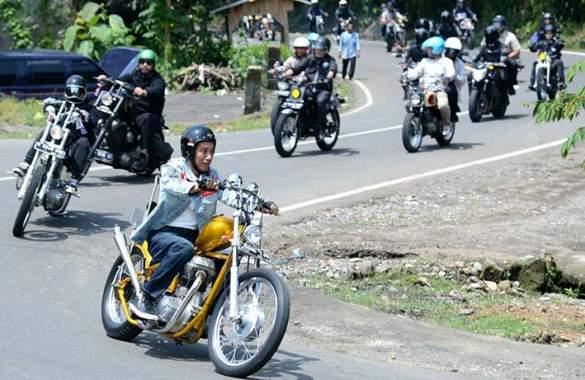 Jokowi Tinjau Padat Karya Tunai dengan Chopperland
