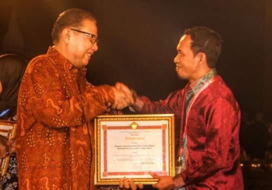 Terapkan aplikasi Online,Dinkop UM Raih Penghargaan