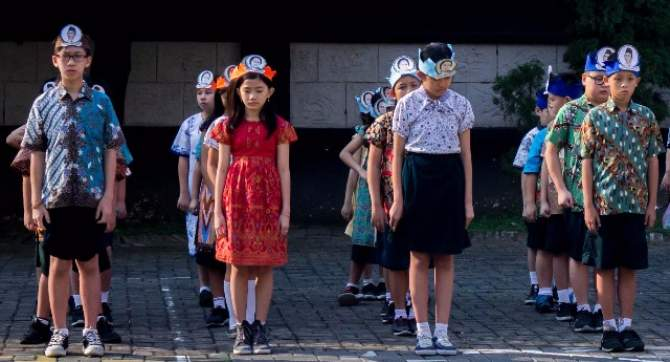 Peringati Hardiknas, Siswa Kenakan Topi Pahlawan Pendidikan