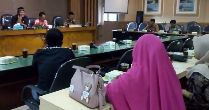 Komisi B: Tingkatkan PAD Tapi Tak Bebani Masyarakat