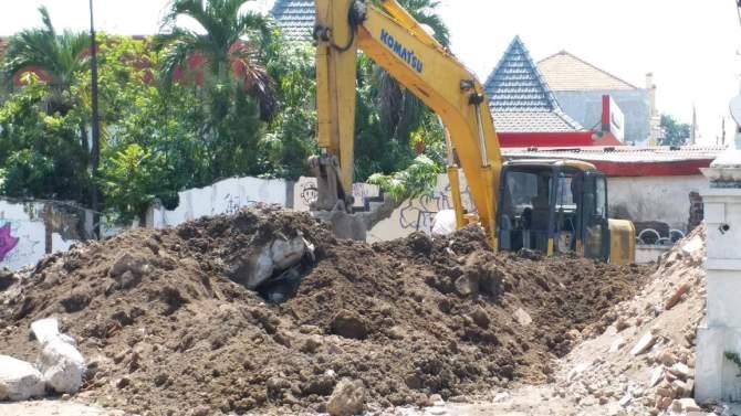 Accu Dicuri, Pengerukan Pondasi BPR Delta Artha Terhenti