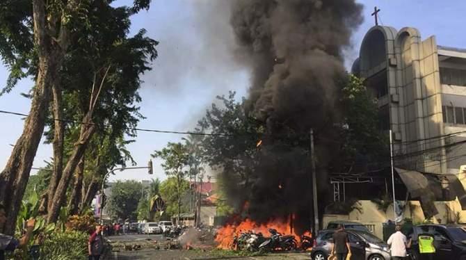 Satu Keluarga Ledakkan Bom di Surabaya