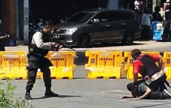 Buru Terduga Teroris: 9 Ditangkap, 4 Tewas