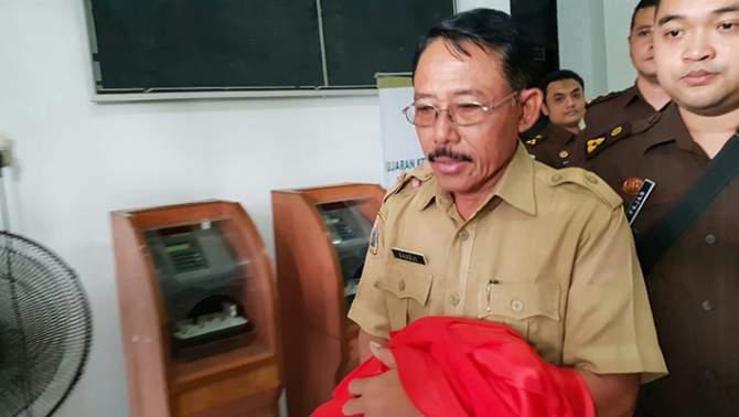Diduga Korupsi Dana APBDes, Kades Sembayat Ditahan
