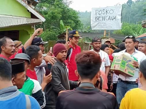 LSM Lira Probolinggo, Bantu Korban Banjir Bandang Tiris