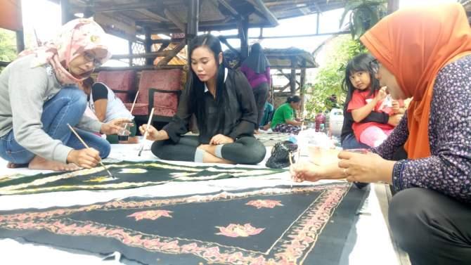 Wow..!Kampung Budaya Polowijen Inovasi Motif Batik Ken Dedes